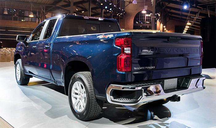 2019-Chevrolet-Silverado-1500-LT-rear-side close