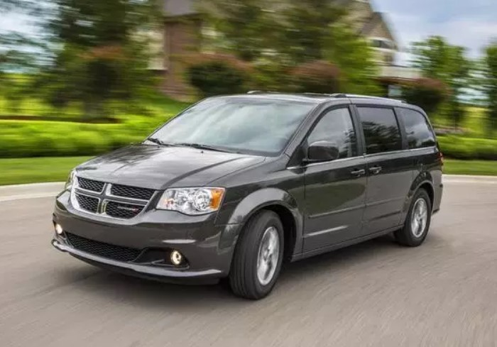 2020 dodge grand caravan spy shots, release date, price