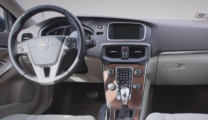 2020 Volvo V40 Inscription Interior